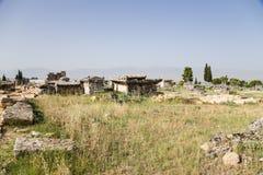 希拉波利斯(棉花堡),土耳其 古老大墓地的石棺 库存照片