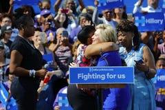 总统希拉里・克林顿出席'出去表决'集会, L 库存照片