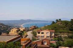 希罗纳海岸从Begur小山的在卡塔龙尼亚 免版税库存照片