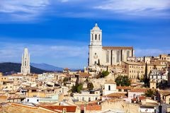 希罗纳老镇的鸟瞰图,在西班牙 库存图片