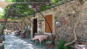 希腊一原始的café 免版税图库摄影