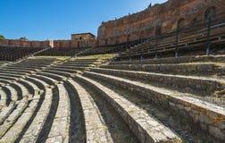 希腊剧院废墟在陶尔米纳,西西里岛,意大利 免版税库存图片