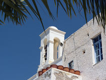 希腊大教堂钟楼 免版税库存照片