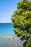 希腊天蓝色的海岸 库存图片