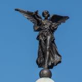 希腊女神耐克飞过的胜利Skipton战争纪念建筑 库存图片