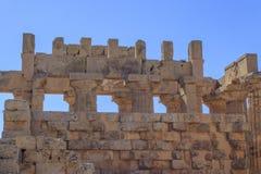 希腊寺庙专栏废墟-西西里岛,意大利 图库摄影