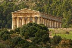 希腊寺庙在古城Segesta,西西里岛 免版税库存图片