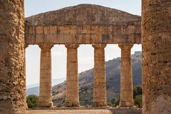 希腊寺庙的废墟在古城Segesta 库存照片