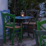 希腊小酒馆桌 库存图片