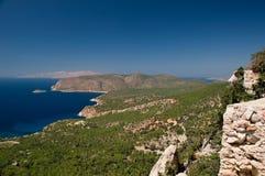 希腊山rhodos海运天空 免版税库存照片