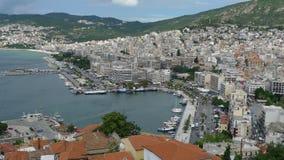 希腊市和江边视图 免版税库存图片