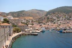 希腊波罗斯岛,九头蛇,埃伊纳岛06的南部的部分的海岛 15 2014年 热的夏天希腊海岛的风景  免版税库存图片