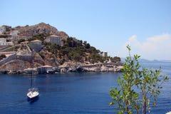 希腊波罗斯岛,九头蛇,埃伊纳岛06的南部的部分的海岛 15 2014年 热的夏天希腊海岛的风景  库存图片