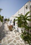 希腊海岛场面街道 免版税库存照片