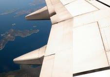 希腊海岛从上面看见与平面翼 免版税库存图片