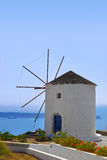 希腊海岛santorini风车 免版税图库摄影