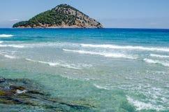 希腊海岛Thassos的海岸 爱琴海蓝色海运 库存图片