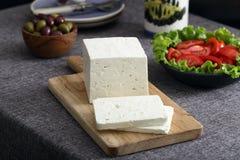 希腊白软干酪用橄榄和蕃茄 免版税库存照片
