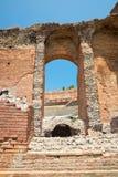 希腊罗马剧院, Taormina,西西里岛,意大利的废墟 库存照片