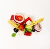 希腊菜沙拉的鲜美五颜六色的开胃成份 库存照片