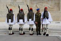 希腊议会的希腊士兵在雅典,希腊 免版税库存照片