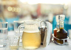 希腊酒家酒 库存图片