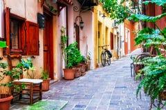 希腊镇罗希姆诺, Cre Traditioanl五颜六色的narrown街道  图库摄影