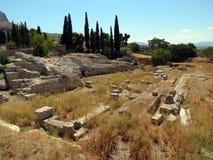 希腊,科林斯湾,一个古老圆形剧场的遗骸 库存图片