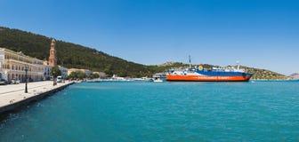 希腊, Panormitis 7月14日:2014年7月14日的全景海湾在Panormitis,希腊 库存照片
