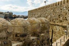 希腊-2017年11月:Heraclion港口看法从老威尼斯式堡垒Koule,克利特的 库存照片