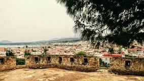 希腊-废墟和城市风景 免版税库存照片