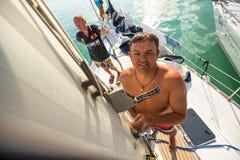 希腊-水手参加航行赛船会 库存照片