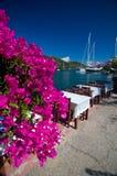 希腊-由海的大阳台 免版税图库摄影