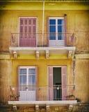 希腊Nafplion,葡萄酒房子的阳台 免版税库存照片
