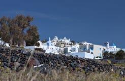 希腊pirgos santorini村庄 免版税库存照片