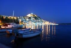 希贝尼克老镇在晚上,克罗地亚 免版税库存图片