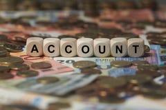 帐户-与信件,金钱区段期限的立方体-与木立方体的标志 图库摄影