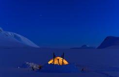 帐篷在晚上 免版税库存照片
