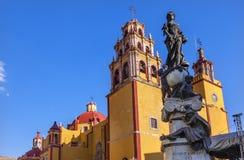 帕兹和平雕象我们的夫人Basilica瓜纳华托州墨西哥 免版税图库摄影