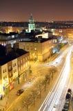 帕内尔街屋顶视图长的曝光在晚上在都伯林,爱尔兰 免版税图库摄影