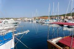 帕劳, SARDINIA/ITALY - 5月17日:帕劳的小游艇船坞在撒丁岛 免版税库存图片