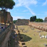 帕勒泰恩小山和罗马论坛在罗马 免版税库存图片