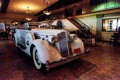 1936年帕卡德游览车 免版税库存照片