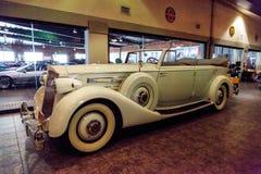 1936年帕卡德游览车 库存照片