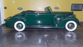 1939年帕卡德超级八辆敞篷车小轿车 免版税库存照片