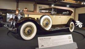 1930年帕卡德风俗八敞蓬旅游车 库存图片