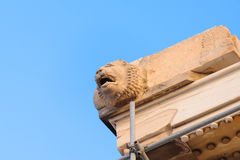 帕台农神庙狮子头冒充的喷口 库存照片
