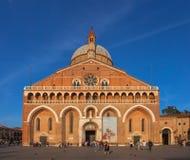 帕多瓦圣安东尼罗马教皇大教堂  免版税库存照片