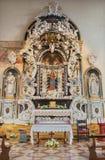 帕多瓦-从17的圣母玛丽亚阿尔塔雷dell'Addolorata巴洛克式的旁边法坛  和18 分 在教会圣玛丽亚dei塞尔维 库存照片
