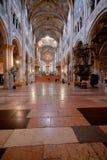 帕尔马大教堂,意大利教堂中殿  库存图片